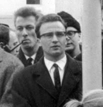Der junge Kienesberger als Angeklagter in einem österreichischen Verfahren, das mit Freispruch endete